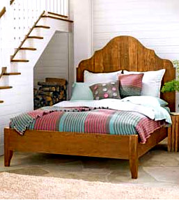 King Gustav Bed in light wood